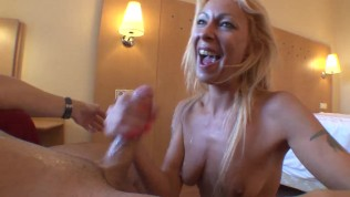 Mature woman fucked at morning by surprise
